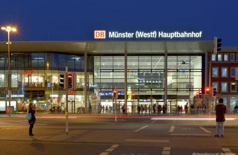 Das Empfangsgebäude im Bahnhof Münster (Westf) der DB Station&Service AG nach der Fertigstellung. Foto am 24. August 2017.